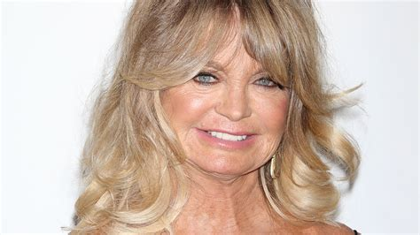 goldie hawn net goldie hawn steps out in style for a great cause