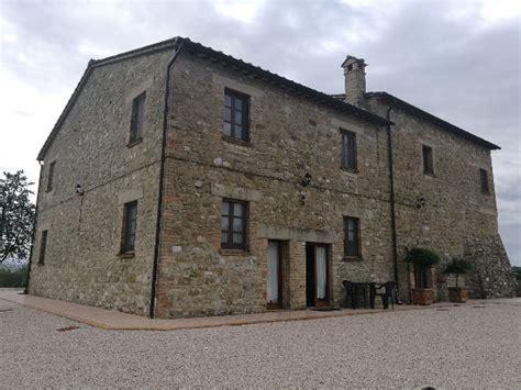 Il Vecchio Fienile Country House by La Country House Il Vecchio Fienile Perugia Itali 235