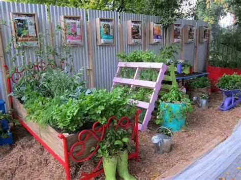 garden from recycled materials sustainability style shine at 2012 mifgs your easy garden