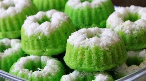 Membuat Kue Putu Ayu | resep membuat kue putu ayu super empuk dan lembut
