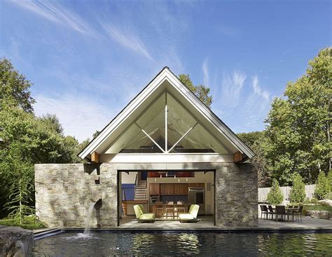 Pool House Plans With Garage by 25 Pool Houses To Complete Your Backyard Retreat