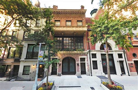 auction house upper east side art titan larry gagosian sells his upper east side carriage house for 18m 6sqft