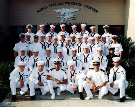 navy land medal of honor lieutenant michael p murphy seal usn
