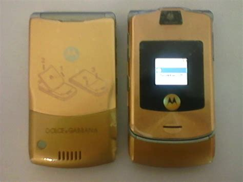 Motorolas Third Product Phone The V3i by Motorola Razr V3i Dolce And Gabana L End 4 23 2019 5 15 Pm
