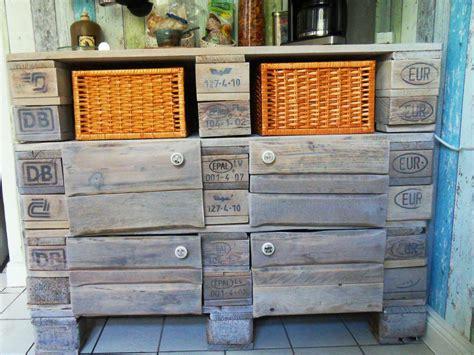 Schrank aus Europaletten   Küchenschrank, Palettenversion   Palettenbett und Palettenmöbel