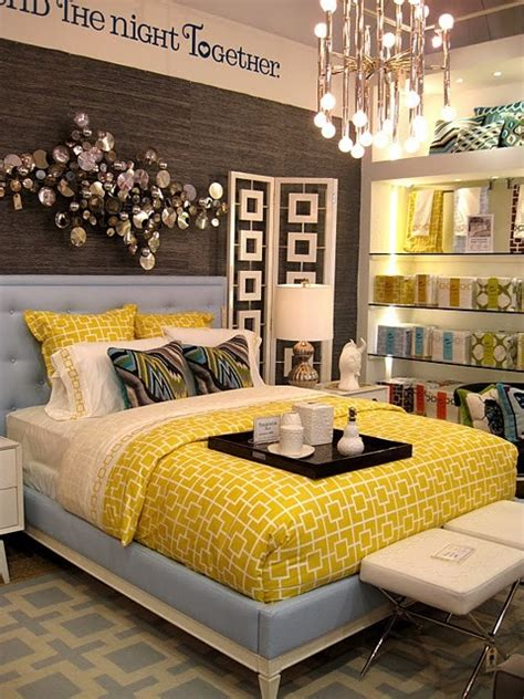 yellow room decor guest room decoration ideas yellow decor favething com