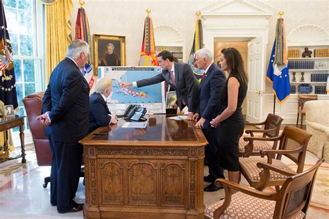 president trump oval office photos from president donald j trump s briefing on