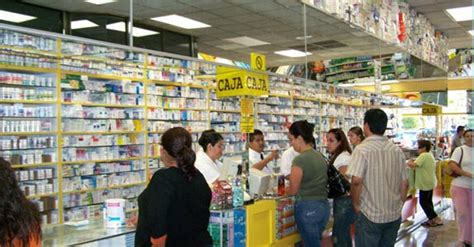 Gusher Farmacias in Tijuana Offers 32% Off