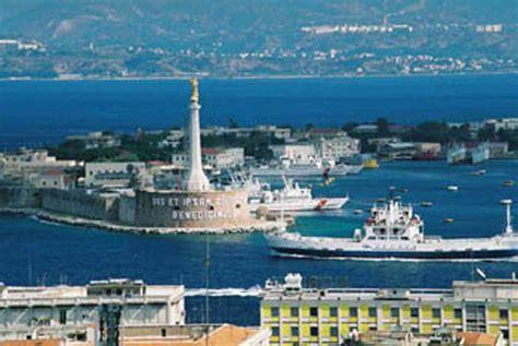 porto messina stretto di messina nuovo scontro sull autorit 224 portuale