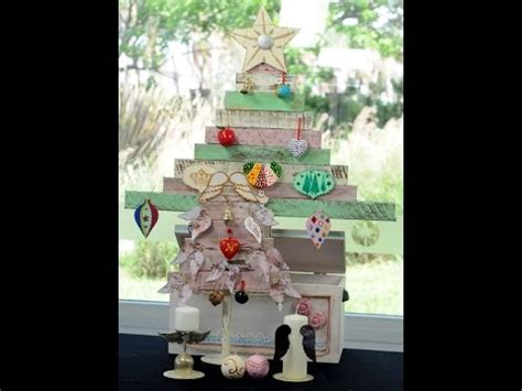 como pintar un arbol de navida como pintar madera efecto decapado arbol de navidad en madera adornos para el arbol