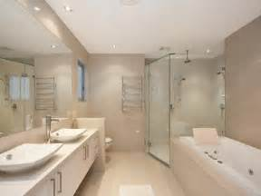 les 25 meilleures id 233 es concernant salle de bains taupe