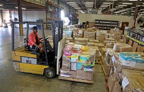 sun sentinel food section broward schools sends of haiti relief supplies sun sentinel