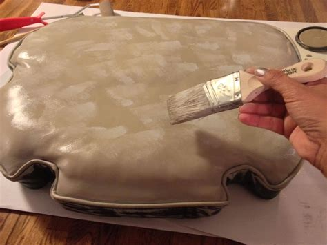 Leder Lackieren by Diy Painting Leather Furniture Snazzy Things