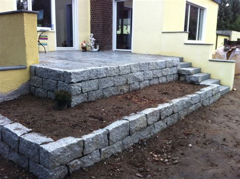 terrasse granit terrasse trockenmauer zufahrt klinker naturstein