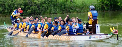 dragon boat festival 2018 milwaukee uwm team in dragon boat races saturday