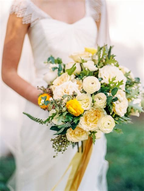 best 25 yellow bouquets ideas on yellow wedding flowers yellow bouquet and
