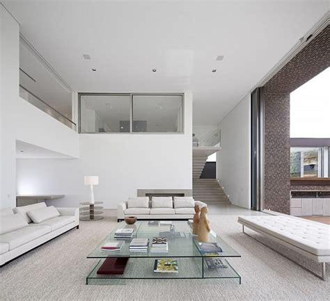 wohnzimmer puristisch exklusives ferienhaus mit pool und golf spielplatz