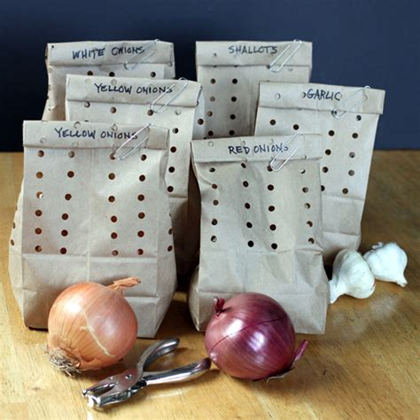storing garlic and onions cool kitchen hacks