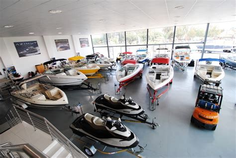 boat dealers build a solid relationship with your marine dealer