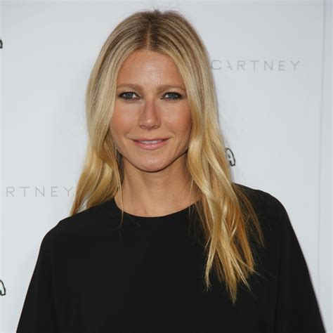 gwyneth paltrow gwyneth paltrow posts no makeup selfie to celebrate