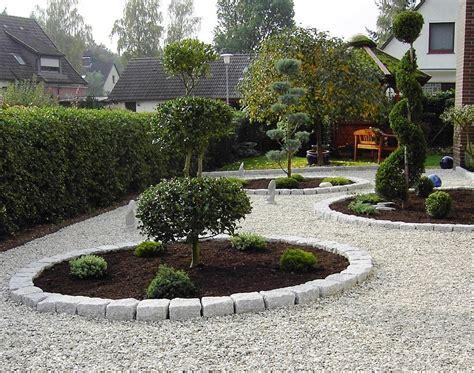 kies garten anlegen vorgarten mit kies gestalten pflanzen steingarten im