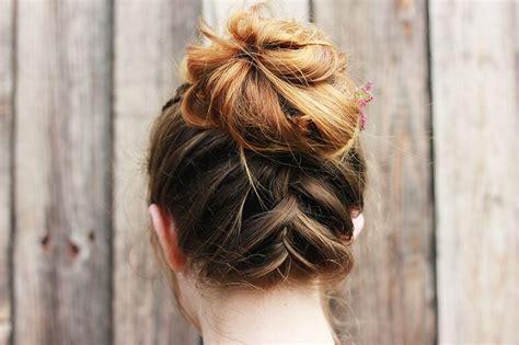 plait at back of head hairstyle personnalisez votre chignon avec la tresse invers 233 e les