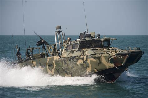 riverine boats san diego sailors boats detained by iran back in navy