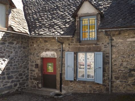 Chambres D Hotes A Salers Dans Le Cantal by G 238 Te 669 224 Salers G 238 Te 4 Personnes Cantal