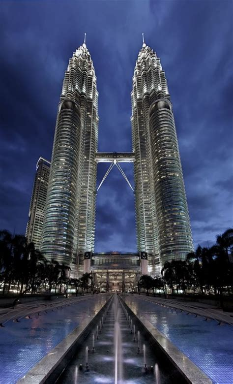 famous builders 10 famous buildings that you absolutely must see