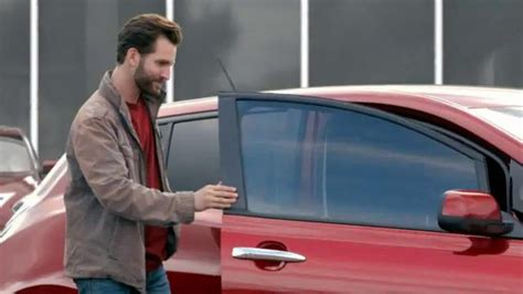 2015 nissan tv commercial actor woman in nissan altima commercial