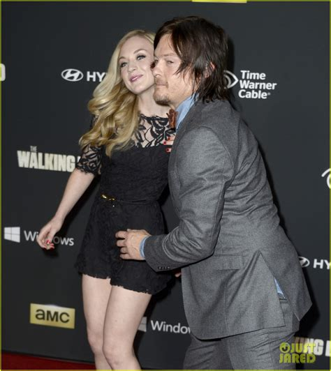 norman reedus emily kinney not dating rep ny daily news norman reedus emily kinney are not dating photo