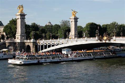 bateau mouche bercy la fl 251 te sous le pont alexandre iii photo de bateaux