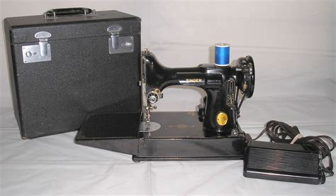 vintage singer featherweight 221 sewing machine sews vintage singer featherweight 221 sewing machine sews
