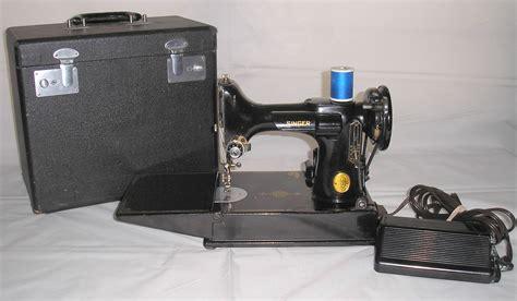 singer featherweight sewing machine vintage singer featherweight 221 sewing machine sews