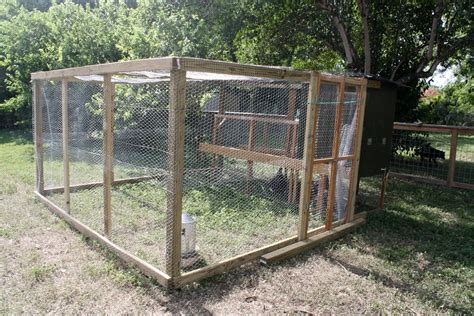 movable chicken fence chicken coop fence plans with similiar portable chicken run ideas keywords chicken coop ideas