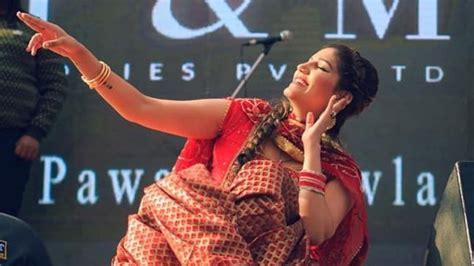 sapna choudhary song gane sapna choudhary s charming smile gets captured in a candid