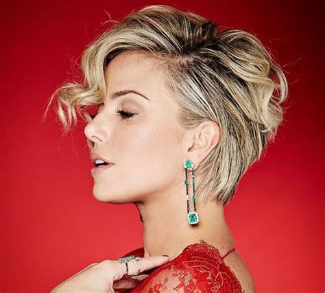 blonde foils pixe cut pixie cuts 13 hottest pixie hairstyles and haircuts for women