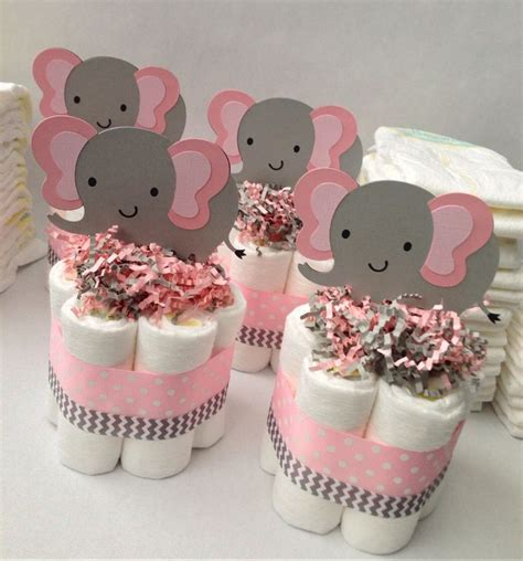 Cake For Baby Shower Centerpiece by 25 Best Ideas About Baby Shower Centerpieces On