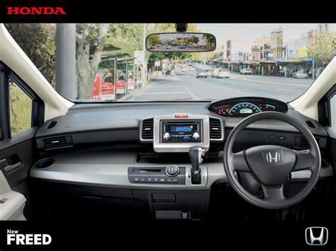 Lu Led Mobil Honda Freed toyota sienta vs honda freed kompetisi compact mpv