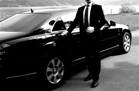 Chauffeur Limousine Service by Mercedes Mit Chauffeur Chauffeur Service Mercedes