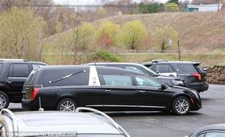 hernandez funeral home aaron hernandez s casket arrives at his connecticut home