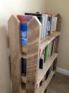 Kids Furniture Bookshelf Diy Pallet Fence Bookshelf 101 Pallets