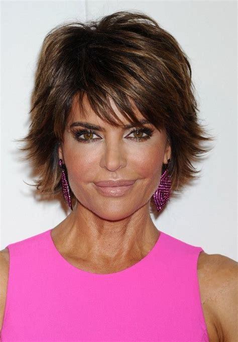 Lisa Rinna Short Layered Razor Haircut with Bangs for