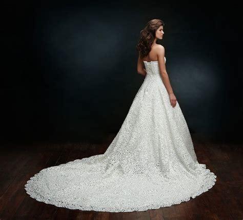 hochzeitskleid lange schleppe hochzeitskleider luxus brautkleid mit langer schleppe