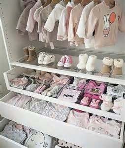 baby schrank 25 best ideas about nursery closet organization on