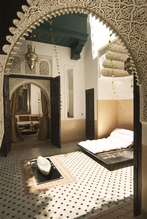 moroccan interiors elegant moroccan bedroom on pinterest moroccan bedroom