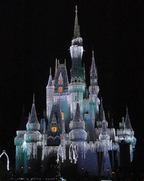 disney s magic kingdom christmas holiday picture gallery