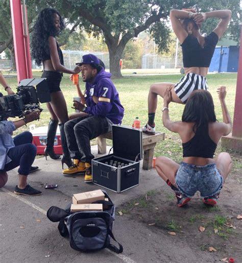 ymcmb flow ft bonka monster freestyle on set of flow s monster freestyle video shoot