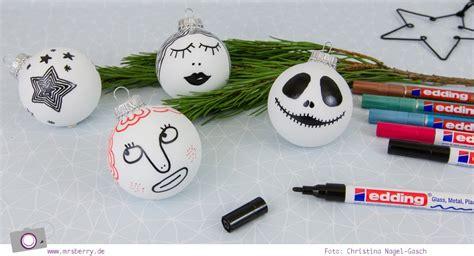 Christbaumkugeln Selbst Bemalen weihnachtsdeko diy weihnachtskugeln selbst bemalen