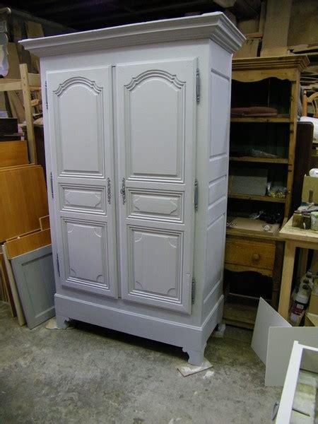 l armoire des petits armoire ancienne repeinte en gris et patin 233 e atelier de